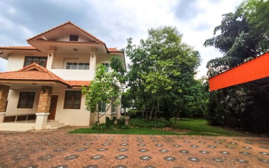 , Big 4 Bedroom House for Rent near NIS/Ruamchok