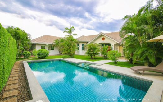 , Single Story Pool Villa in San Kamphaeng for Sale.