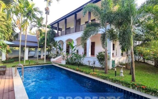 , Beautiful Colonial House with Pool for Rent/Sale in Mooban Wang Tan