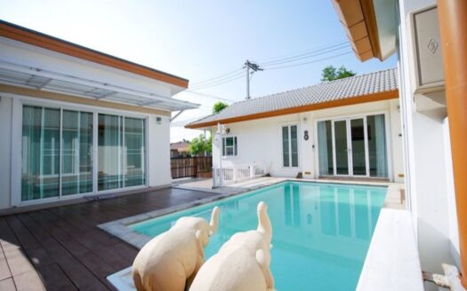 , 3 Bedroom House for Sale Resort Style with Private Pool San Sai Chiang Mai