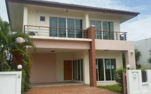 , 3 Bedroom House for Rent at The Celio,San Phak Wan, Hang Dong