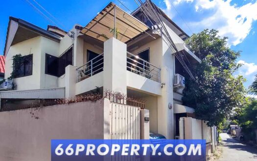 , 4 Bed House for Sale 100m from the Moat, Chiang Mai