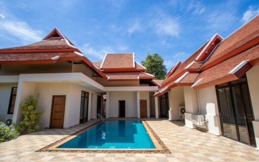 , Outstanding Luxury 4 Bedroom Villa with Private Pool For Sale